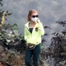 Isla Fisher – out for a hike in the Hollywood Hills - 454 x 681