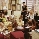 (Far left corner) Bebe Neuwirth as Lana, (on couch center) Kathryn Hahn as Michelle, (on couch right) Annie Parisse as Jeannie, (right center white top) Kate Hudson as Andie in Paramount's How To Lose A Guy In 10 Days - 2003 - 454 x 305