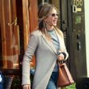 Jennifer Aniston – Leaves Nello Restaurant in New York - 454 x 498