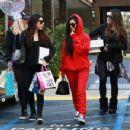 Kourtney Kardashian celebrating a friend's birthday at Lovis Restaurant in Calabasas, California on January 9, 2017 - 454 x 349