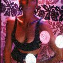 Cindy Crawford - Vogue Magazine Pictorial [United Kingdom] (February 2005) - 454 x 686