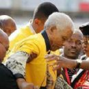 Winnie Mandela and Nelson Mandela - 454 x 284