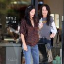 Courteney Cox - Beverly Hills Candids, 22.10.2008.