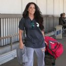 Jenelle Evans Is departing a flight out of Los Angeles International Airport (LAX) Monday, August 31,2015 - 454 x 587