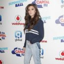 Hailee Steinfeld – Capital Radio Summertime Ball 2017 in London - 454 x 686
