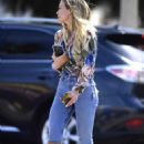 Hilary Duff – Outside Alfred's in Studio City
