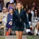 Bella Hadid – Etro Runway Show at Milan Fashion Week