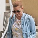 Amy Adams – Shopping at Tom's Toys in Beverly Hills - 454 x 681