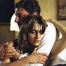 Penelope Cruz and Sergio Castellitto in Don´t Move (2004)