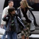 Kelly Ripa Picks Up Her Son From School, 2008-04-14