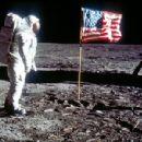 Buzz Aldrin - 454 x 300