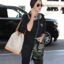 Megan Fox – Arrives at LAX Airport in Los Angeles - 454 x 746