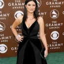 Laura Pausini - 2006 Grammy Awards Arrivals