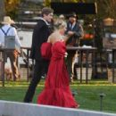 Sienna Miller – Arrives to Jennifer Lawrence and Cooke Maroney's wedding in Newport
