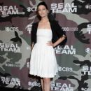 Jessica Pare – 'SEAL Team' Premiere in Los Angeles - 454 x 642