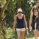 Taylor Swift In Short Shorts Out In Hawaii