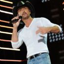 Tim McGraw - 451 x 594