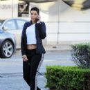 Nicole Murphy buying some pet supplies in Beverly Hills, California on February 14, 2017 - 454 x 573