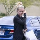 Kendra Wilkinson Leaving Nordstrom In Sherman Oaks