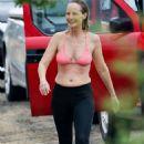 Helen Hunt in Bikini Top on the beach in Hawaii - 454 x 681
