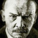 Vladimir Lenin - 300 x 423