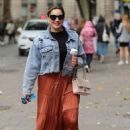 Kelly Brook in Long Skirt – Out in London