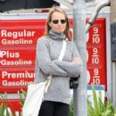 Helen Hunt Heading To The Brentwood Country Mart