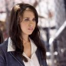 Lacey Chabert as Dona Ellis in Ghost Whisperer - 333 x 464
