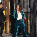 Jennifer Love Hewitt – Arrives at 'Jimmy Kimmel Live' in Hollywood - 454 x 609