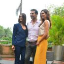 Ileana D'Cruz, Akshay Kumar, Esha Gupta at