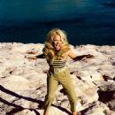 Pamela Anderson - Vogue Magazine Pictorial [Czech Republic] (June 2019) - 454 x 567