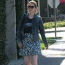 'Love' actress Gillian Jacobs stops by the Byron Williams Salon to get her hair done in Beverly Hills, California on October 8, 2015 - 415 x 600