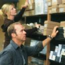 Sarah Tate (Deborah Kara Unger) and Jonathan Rivers (Michael Keaton) in White Noise