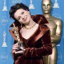Juliette Binoche attend the 69th Annual Academy Awards ceremony March 24, 1997 - 454 x 586