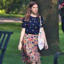Anna Kendrick – On set of 'A Simple Favor' in Toronto - 454 x 651