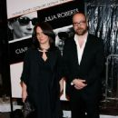 Elizabeth Cohen and Paul Giamatti - 454 x 688