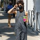Selma Blair – Stops for a refreshing drink in Los Angeles - 454 x 681