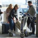 Sarah Michelle Gellar at JFK airport in New York - 454 x 472