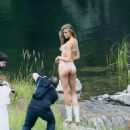 Josephine Skriver Shooting a commercial for Victoria Secret's upcoming holiday catalog in Aspen - 454 x 573