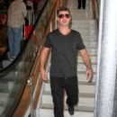 Robin Thicke is seen at LAX - 454 x 595