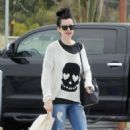 Krysten Ritter – Leaves the Access Specialty Animal Hospital in Culver City - 454 x 600