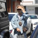 Hailey Baldwin – Leaving Meche Salon in Beverly Hills