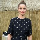 Amanda Peet – Stella McCartney Resort 2018 presentation in New York - 454 x 682