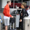Leona Lewis – Arriving at LAX Airport in Los Angeles - 454 x 574