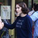 Rachel Brosnahan – 'The Marvelous Mrs. Maisel' Filming Rehearsals in Chelsea, New York - 454 x 705