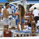 Aaron Diaz and Lola Ponce Enjoy a Day on the Beach in Miami - 454 x 475