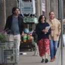 Shannen Doherty – Shopping at vintage market in Malibu - 454 x 415