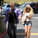 Heidi Montag - Poses For Paparazzi In West Hollywood, 8. 4. 2009.