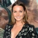 Camilla Luddington – 'Tomb Raider' Premiere in Hollywood - 454 x 597