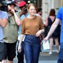 Emma Stone – Films 'Billy on the Street' set in New York City - 454 x 673